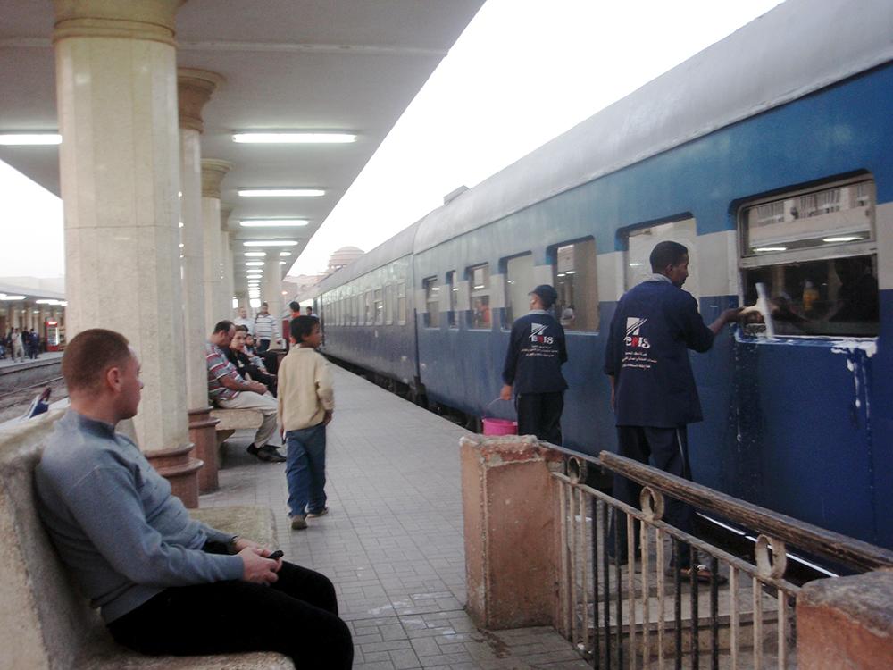 ルクソール駅 アスワンへ